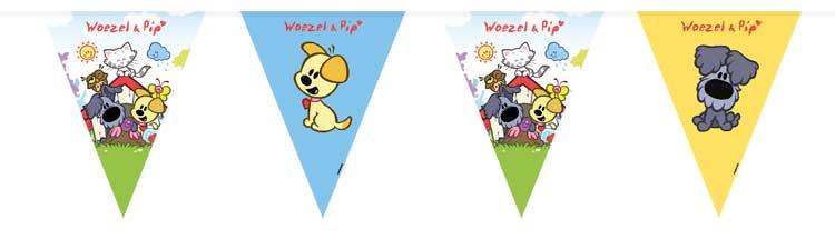 Woezel en pip vlaggenlijn. de vlaggetjes zijn bedrukt met verschillende plaatjes van woezel en pip. afmeting: ...