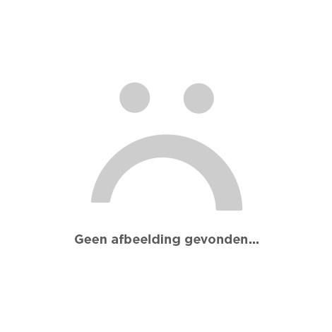 Oranje hoed met zwart haar