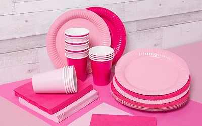 Roze wegwerpservies