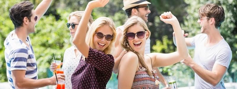 Geliefde Organiseer een zomer feestje voor het ultieme vakantiegevoel &SP57